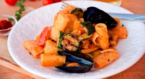 Pasta-cozze-e-verdure1.jpg