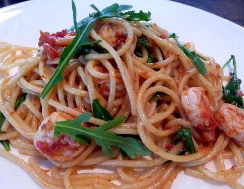 spaghetti gamberi e rucola