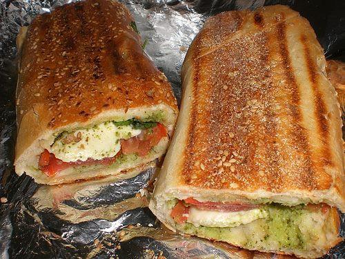 cucina, ricette, ricetta, finger food, panini, panino, caprese,