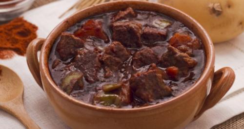 Gulash Ungherese, cucina, ricette, ricetta, gulash, carne, arrosto,